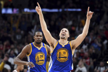 """Warriors"" ir be susirgusio Curry triumfavo Portlande"