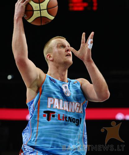 """Paulius Kleiza 2011-2012 metų sezone vilkėjo Palangos """"Naglio"""" komandos marškinėlius"""